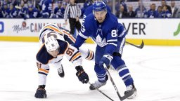 Continue reading: Edmonton Oilers re-sign Gaetan Haas