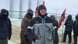 Continue reading: Unifor sets up blockade at Co-op bulk storage facility near Moose Jaw, Sask.