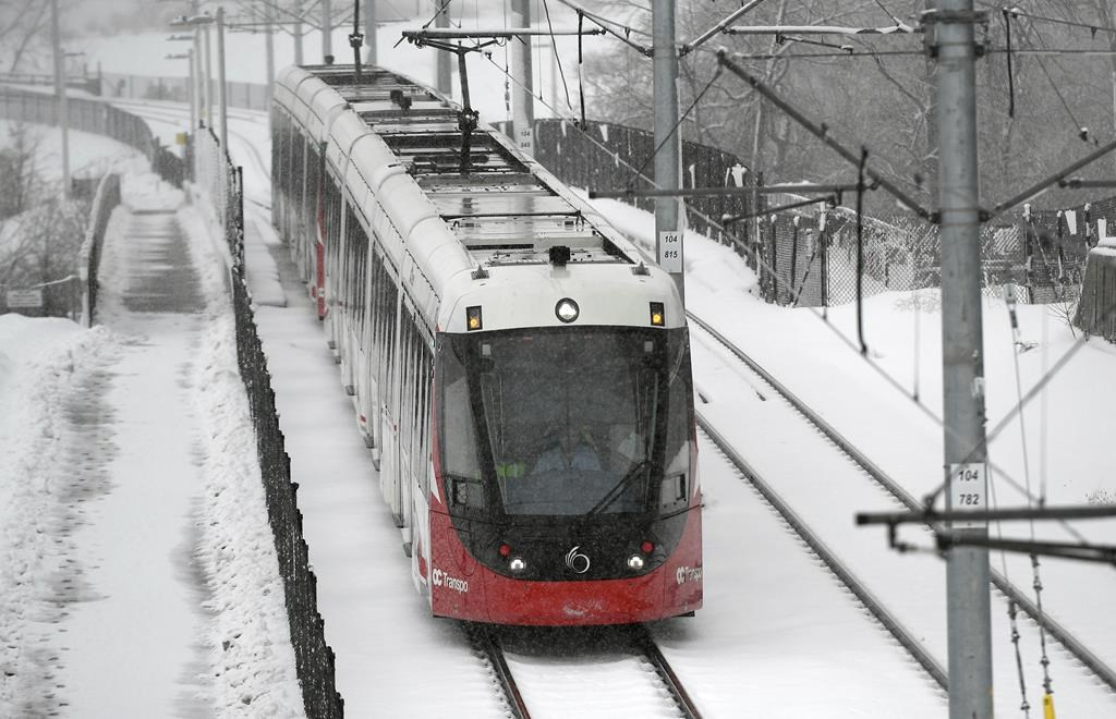 Safety experts with the Transportation Safety Board have not signalled any concerns with a plan to remedy the source of wheel cracks on Ottawa's light-rail transit system, according to the head of OC Transpo.