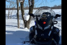 Continue reading: Manitoba RCMP say 5 people have died on snowmobiles this year