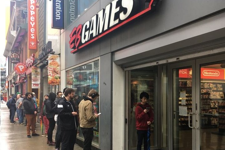 People line up outside downtown Toronto EB Games store amid coronavirus  outbreak | Magic 106