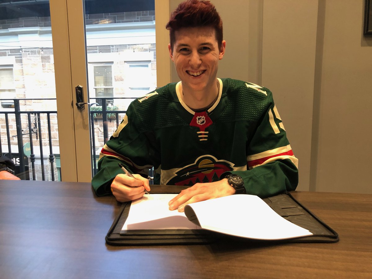 Peterborough Petes goalie Hunter Jones has signed an entry-level contract with the NHL's Minnesota Wild.