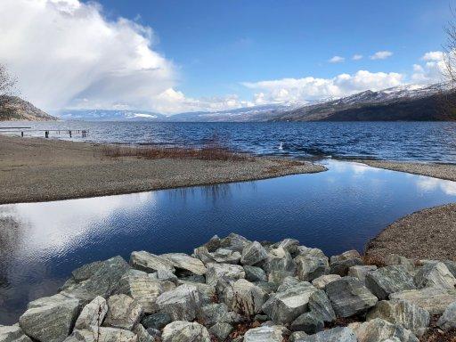 Okanagan Lake Peachland – Sarlene Anhorn