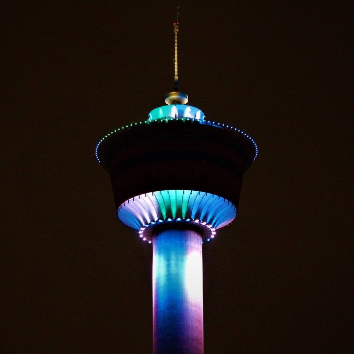 A light show at the Calgary Tower pays homage to AHS workers amid COVID-19 pandemic, April 3.