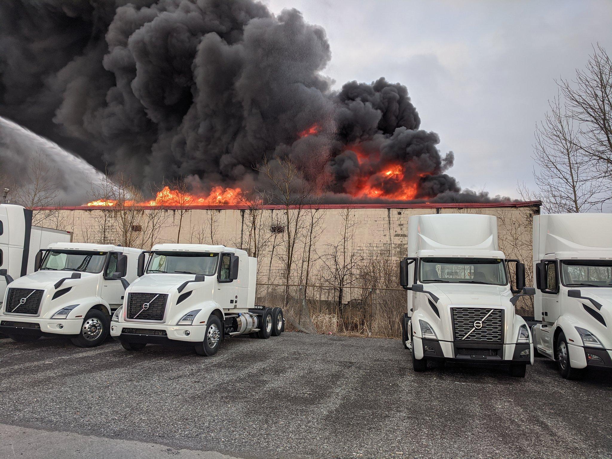 Ottawa Fire Crews Douse 3 Alarm Blaze At Sheffield Road Warehouse Ottawa Globalnews Ca