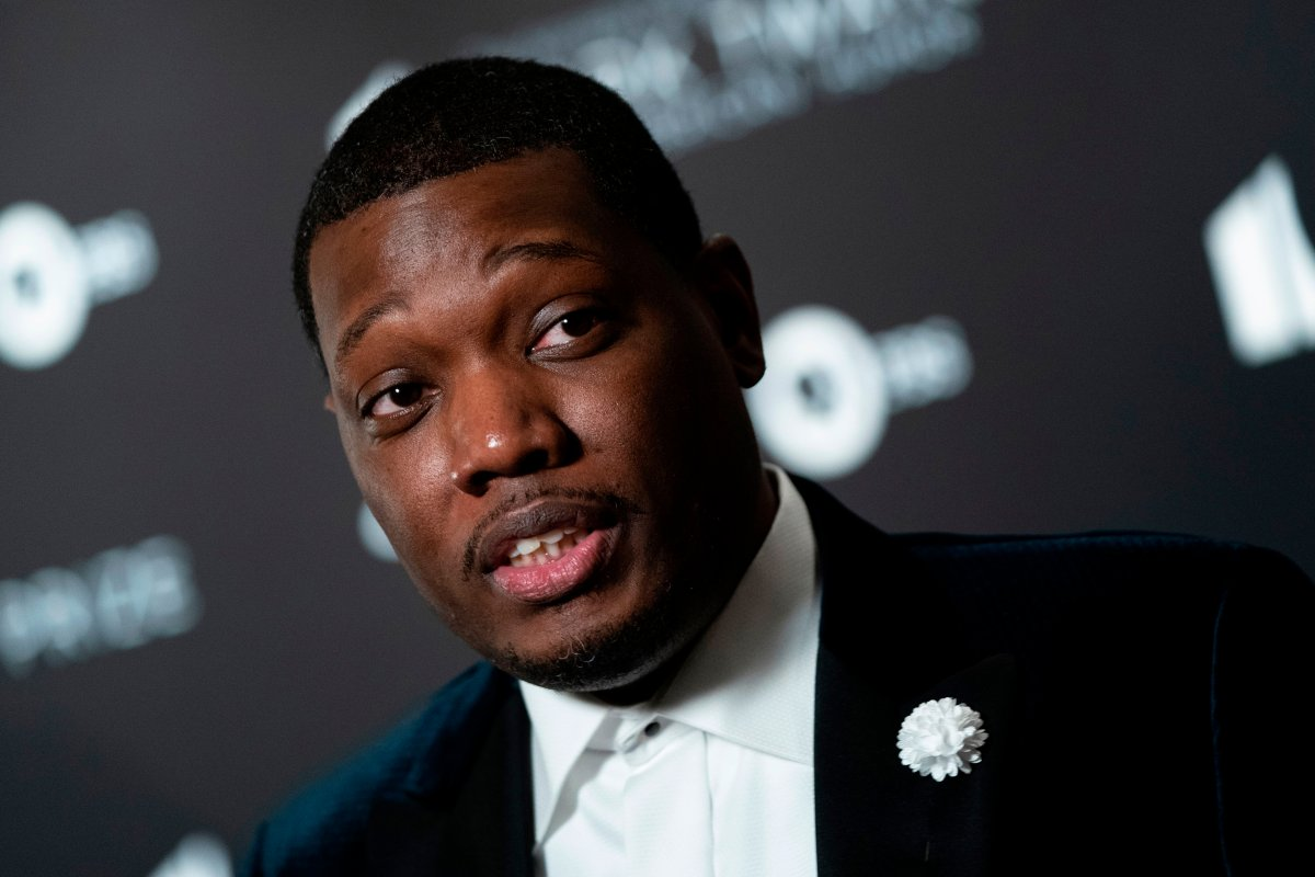 U.S. comedian Michael Che arrives at the Kennedy Center for the Mark Twain Prize for American Humor on Oct. 27, 2019 in Washington, D.C.