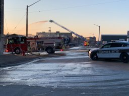 Continue reading: Winnipeg Fire Paramedic Service battles warehouse fire in North End