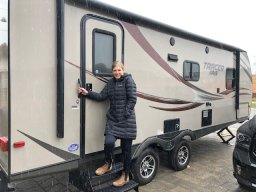 Continue reading: ICU nurse Barbie Allen lives in an RV to protect her family from coronavirus