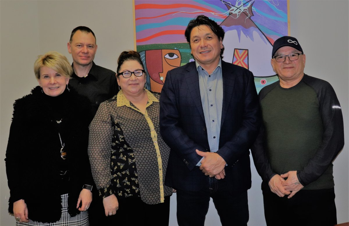 USask researchers Dr. Caroline Tait and Simon Lambert with NEIHR partners Métis Nation-Saskatchewan Health Minister Marg Friesen, Whitecap Dakota First Nation Chief Darcy Bear, and MN-S President Glen McCallum.