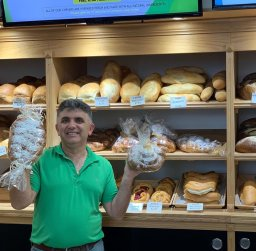 Continue reading: Calgary bakery breaks bread with community during COVID-19 pandemic