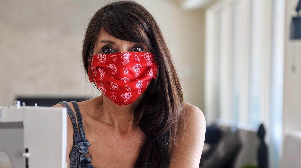 Peterborough Public Health and municipal officials will hand out free cloth masks in downtown Peterborough on Friday.