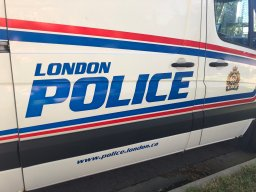 Continue reading: Citizen alerts London, Ont. police to grocery store break-in on Adelaide Street