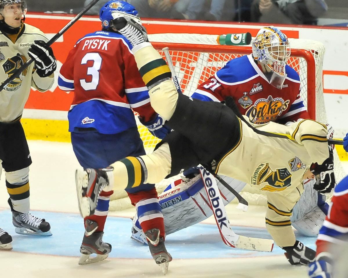 Action from Game 5 of the 2012 MasterCard Memorial Cup between the Edmonton Oil Kings and the London Knights in Shawinigan, Quebec on Tuesday May 22, 2012.