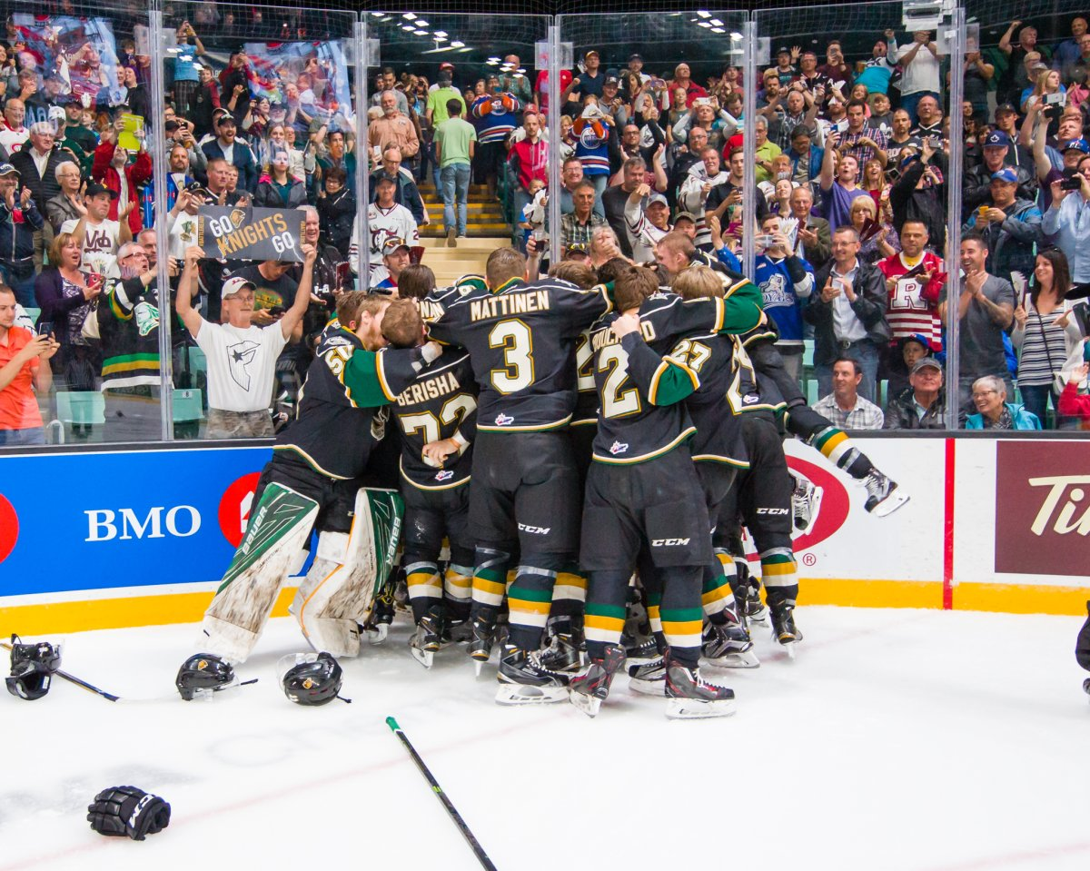 The London Knights defeated the Rouyn-Noranda Huskies 3-2 in the first overtime period to win the 2016 MasterCard Memorial Cup.