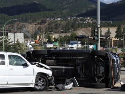 Continue reading: Rollover in West Kelowna during morning commute along Highway 97