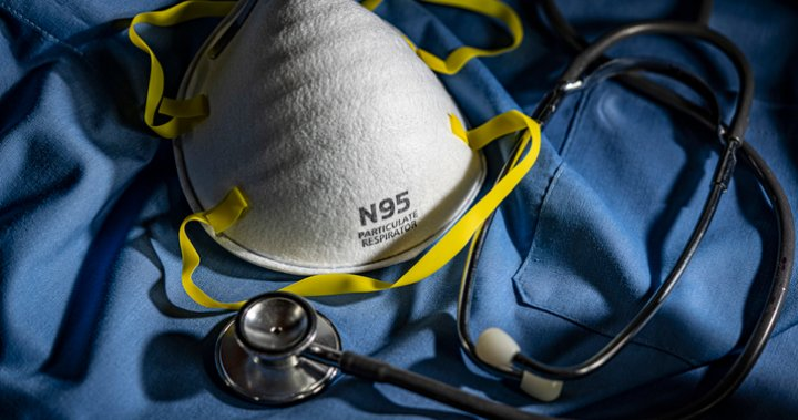 Quebec updates N95 mask guidelines, nurses' union says government should go further