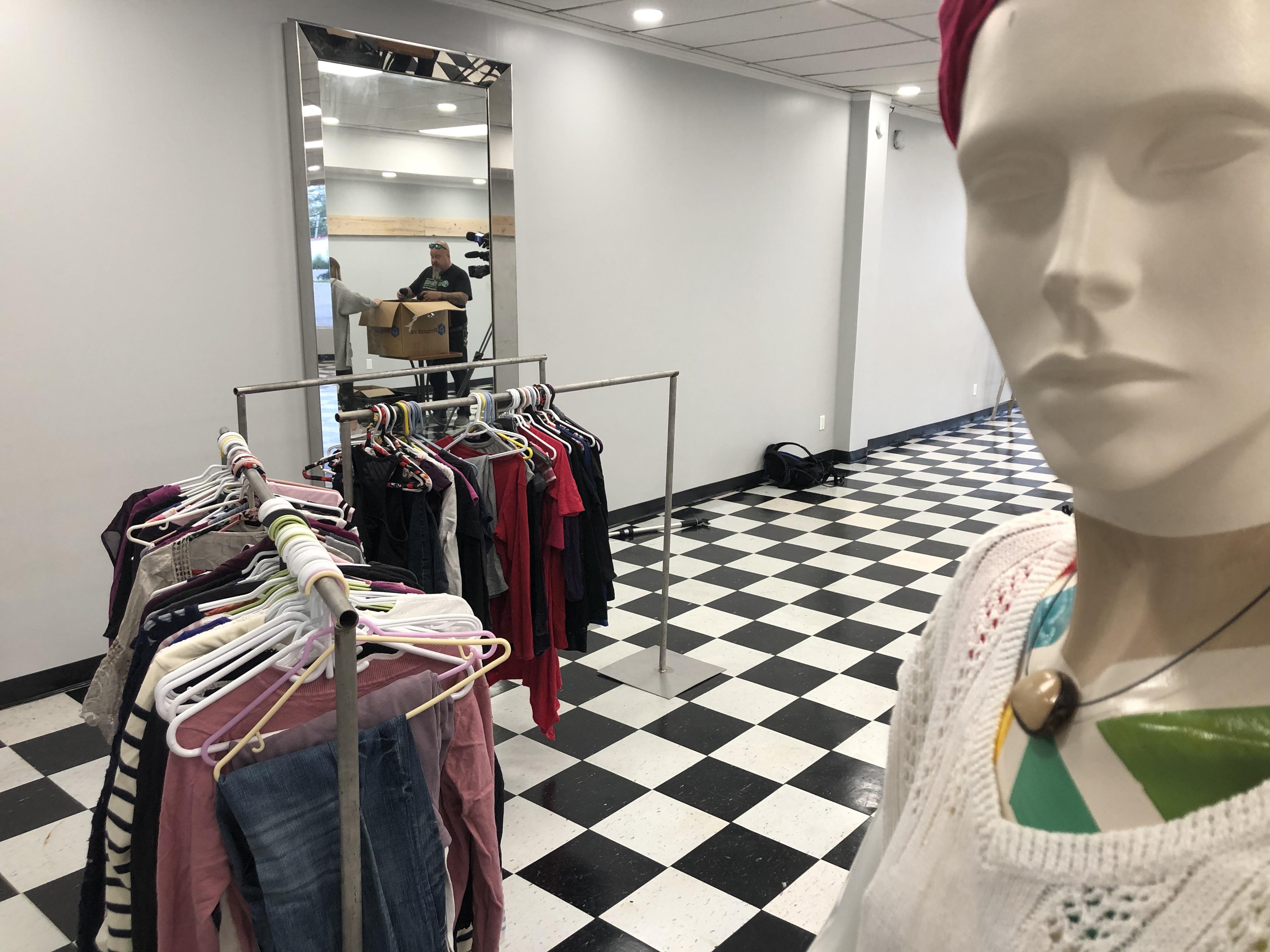 Cauta? i Mannequin Teen Girl Montreal