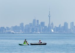 Continue reading: Heat warning issued for much of GTA as humidex near 40 expected