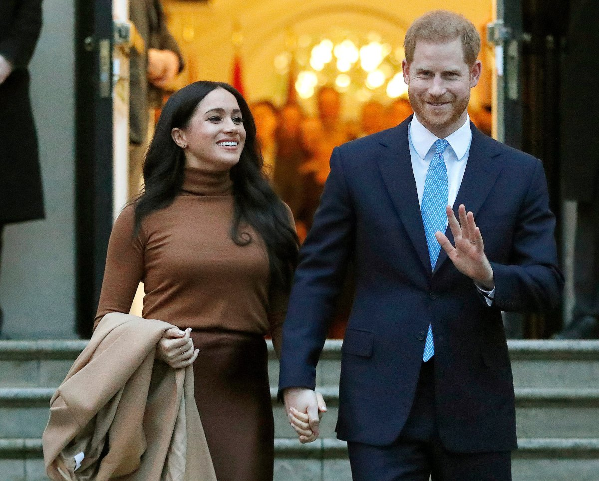 prince harry meghan markle move into new home in california national globalnews ca prince harry meghan markle move into
