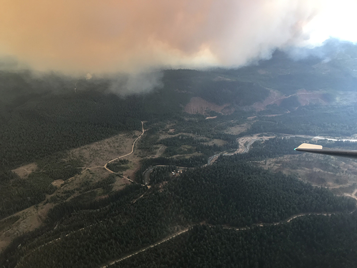 Burning in the Kootenays, the Doctor Creek wildfire is estimated to be 3,000 hectares. Forty firefighters and five helicopters are on scene.