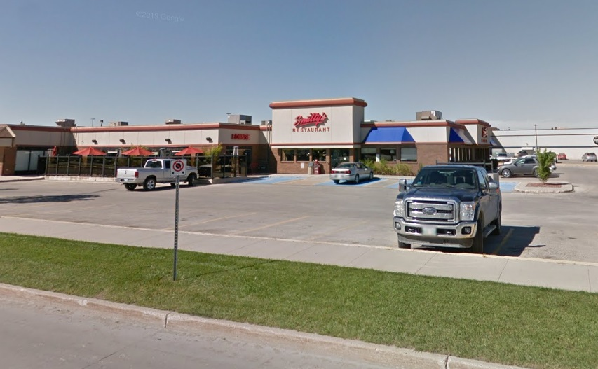 The Smitty's location in Steinbach, Man. The restaurant is now closed after a team member there tested positive for COVID-19.