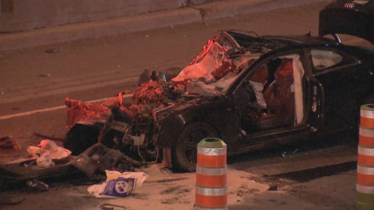 The Sûreté du Québec (SQ) are investigating after a dramatic crash on the Decarie Expressway left two men in their thirties fighting for their lives in hospital on August 13, 2020.