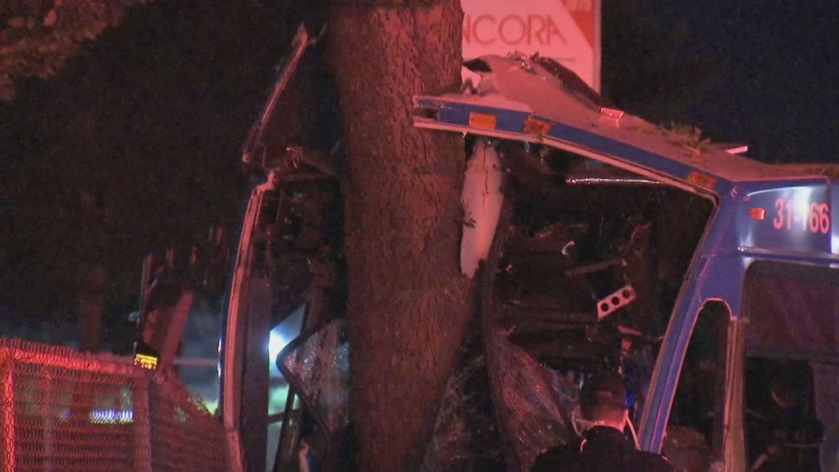 A bus driver suffered minor injuries after a crash in Montreal's east end early the morning of August 13, 2020.