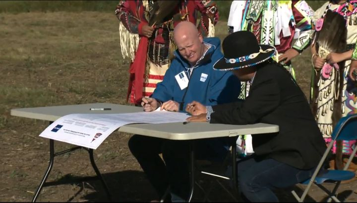 An MOU signed Tuesday creates a framework for EPCOR and the Enoch Cree Nation to work together on projects that cause ground disturbance at the E.L. Smith and Rossdale Water Treatment Plants in Edmonton and also advances a planned solar farm project in the area.