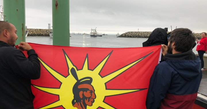 Fishermen to haul traps in Nova Scotia Indigenous lobster fishery