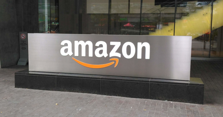 Amazon to offer $100 more to new U.S. hires with COVID-19 vaccination proof
