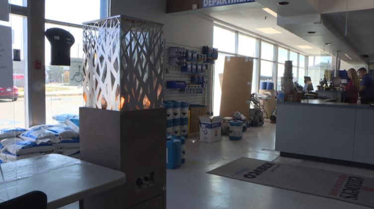 Fire pits, heat lamps flying off the shelves as Manitobans get ready for an outdoor COVID-19 winter - image