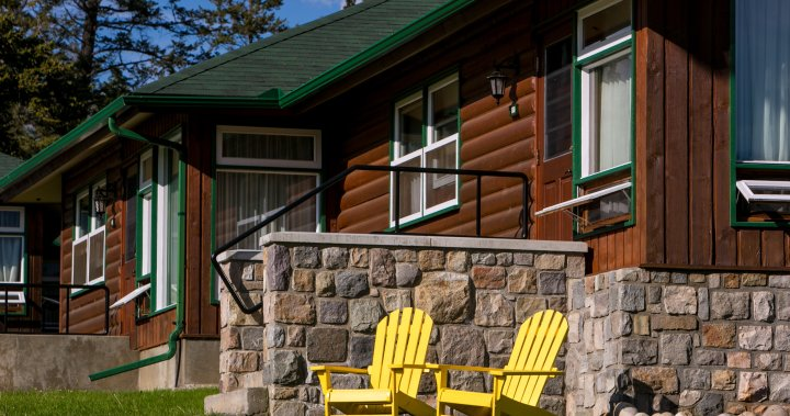 COVID-19: Alberta Health says 8 cases linked to outbreak at Fairmont Jasper Park Lodge
