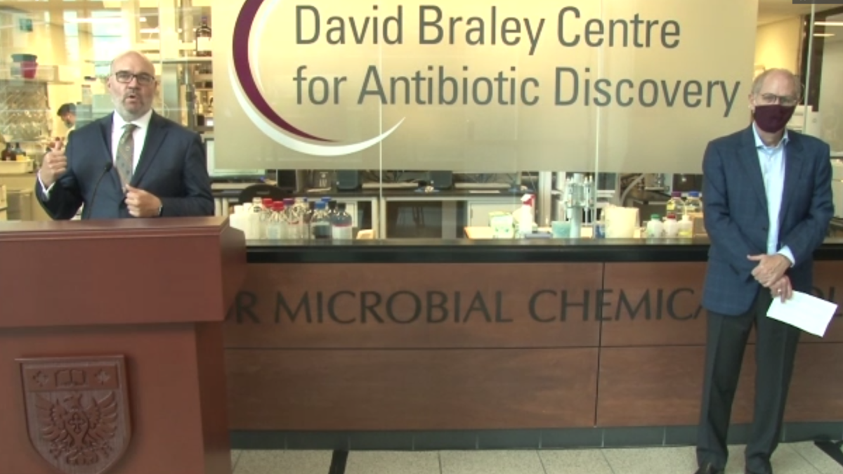 Dr. Gerry Wright and McMaster President David Farrar during a provincial funding announcement for the David Bradley Center for Antibiotic Discovery on Oct. 7, 2020.