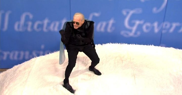 'SNL' parodies vice presidential debate with Biden as fly on Pence's head