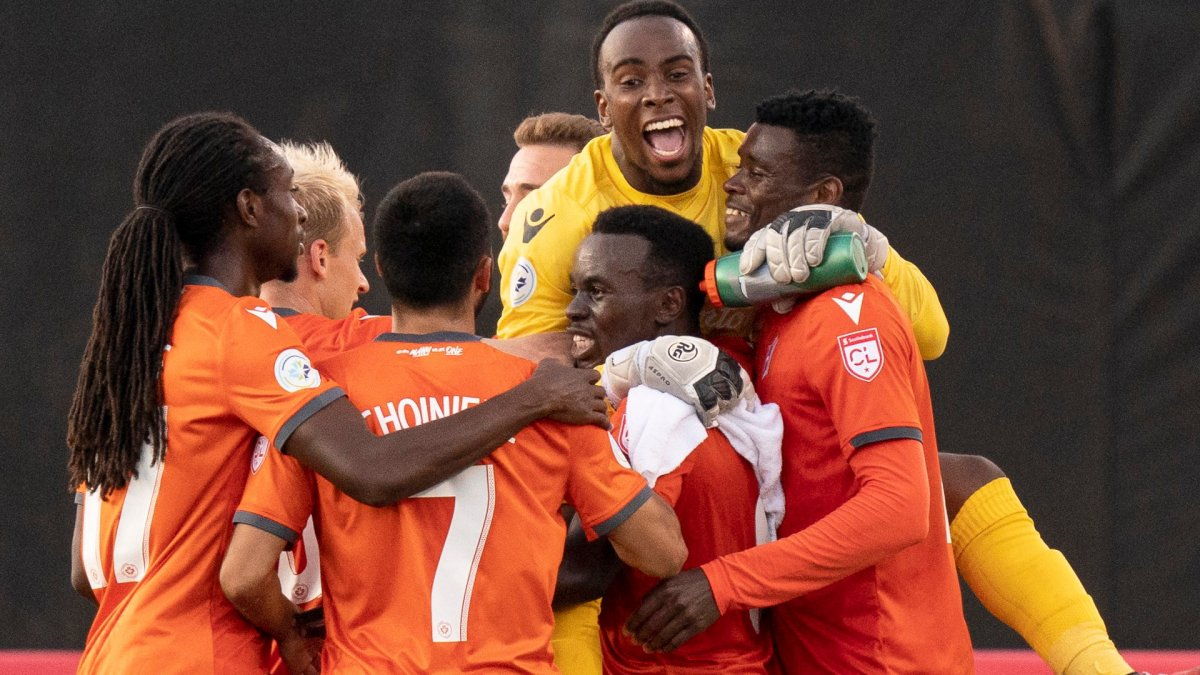 Hamilton Forge FC goalkeeper Tristan Henry (1) celebrates with teammates after their defeat of Antigua Guatemala FC's in Scotiabank CONCACAF League soccer action against Antigua Guatemala FC, in Hamilton, Ont., Thursday, Aug. 1, 2019.