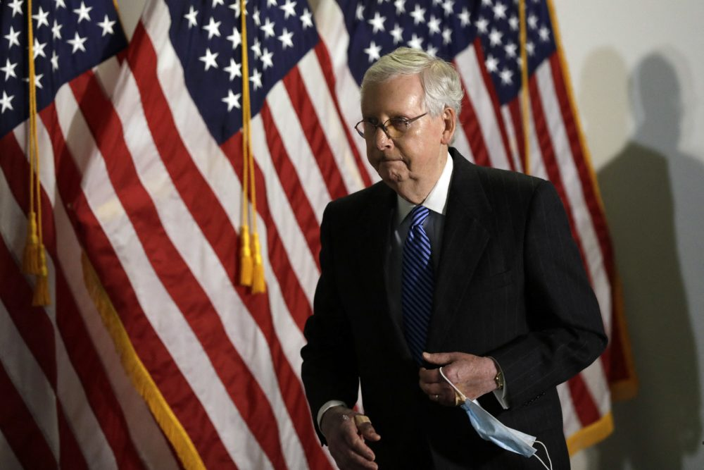 Mitch Mcconnell S Mysteriously Bruised Hands Spark Health Questions National Globalnews Ca