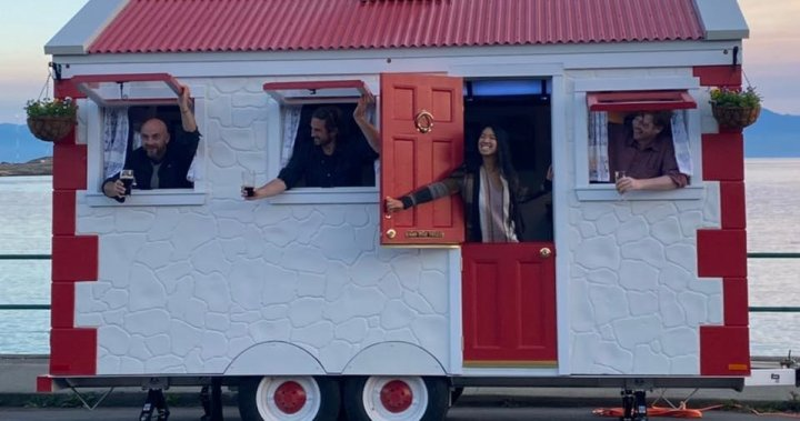Truck of the Irish: Victoria duo launches Canada's first mobile Irish pub