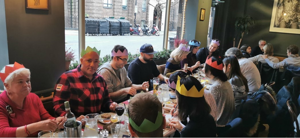 Dave Mathews (second from left) organizes various meetup events for Canadians who live in London. For Christmas 2020, get-togethers will be confined to Zoom.
