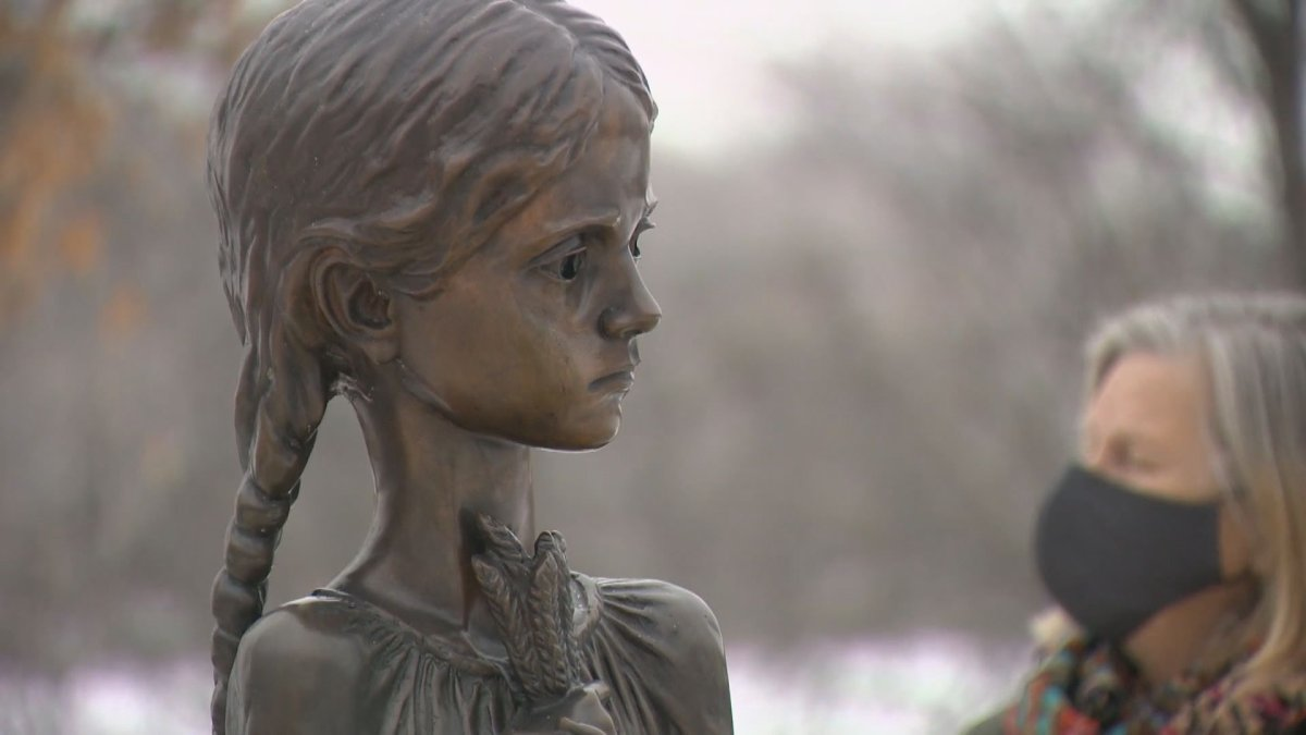 While the Ukrainian community in Regina usually gathers in Saskatchewan's legislative building to mark Holodomor, this year, a small contingent gathered outdoors around an important monument Tuesday.