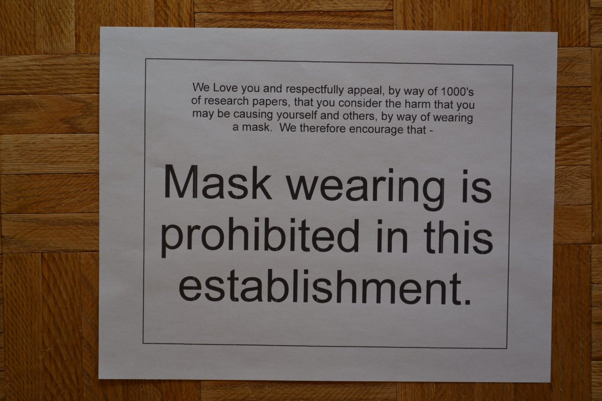 The sign at the One Eyed Budgie Gift Shop in Keremeos, B.C., says masks are prohibited inside the store.