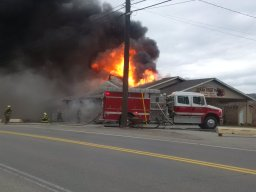 Continue reading: Fire damages South Okanagan fruit stand