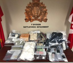 Continue reading: RCMP seize 9.8 pounds of cocaine in North Battleford, Sask. drug bust
