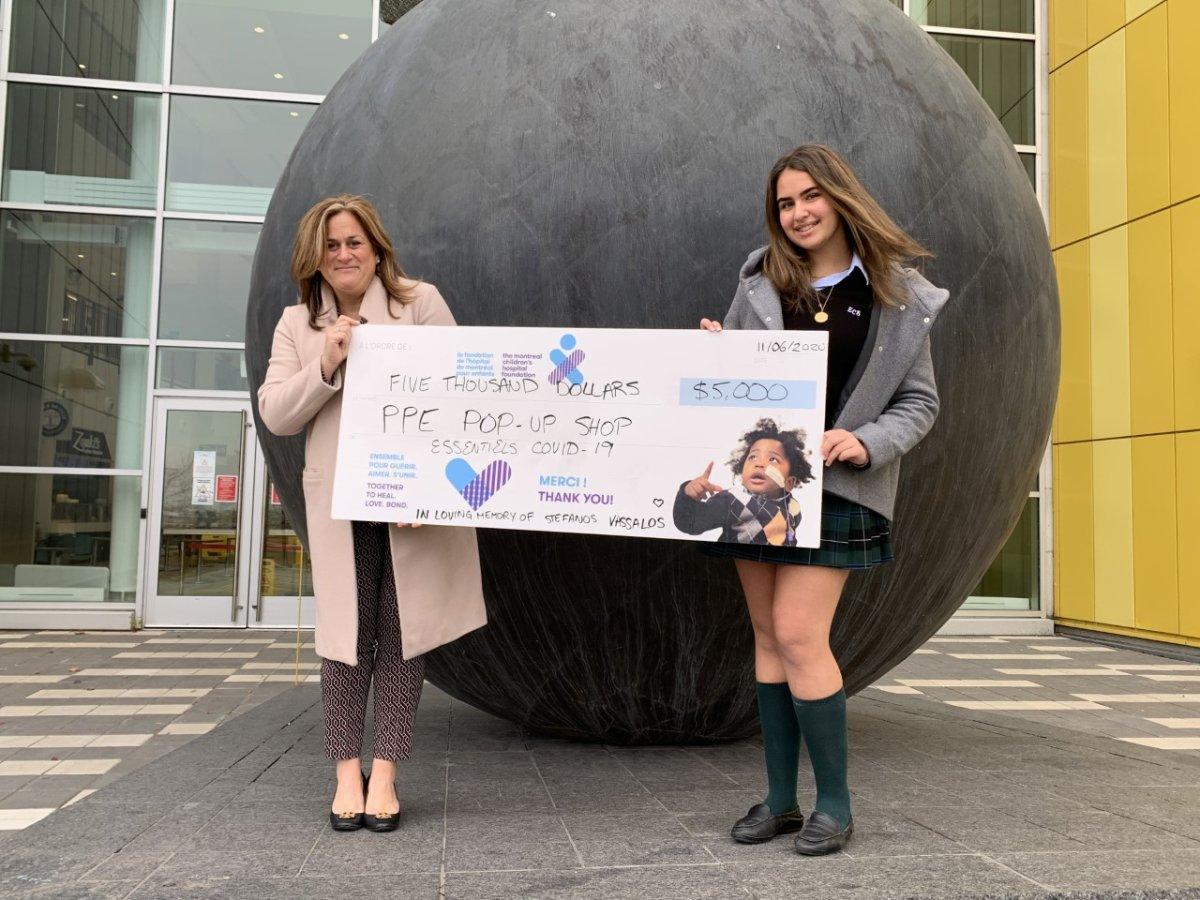 Vanessa Vassalos delivers cheque at the Montreal Children's Hospital. Thursday November 12, 2020.