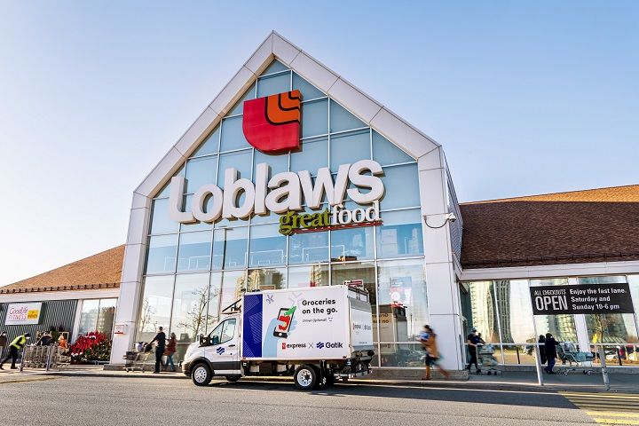 An autonomous delivery vehicle in front of Loblaws.