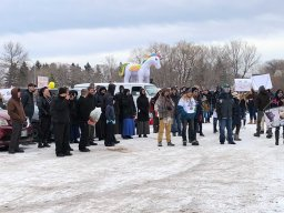Continue reading: Anti-mask rally in Steinbach sees hundreds of attendees