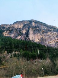 Continue reading: Base jumper rescued after getting sail stuck on Stawamus Chief