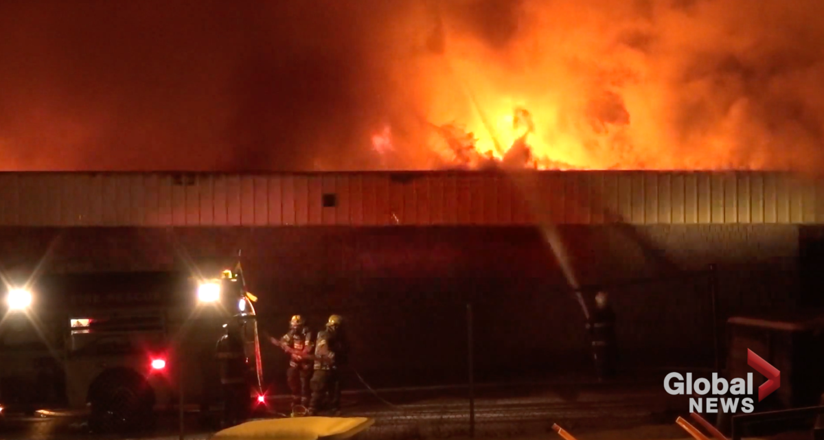 Independent grocers raise fire relief funds for Sayers Foods in Apsley - image