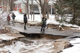 Continue reading: Over 250 Quebec residents evacuated due to flood risk on Christmas