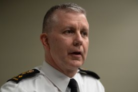 Play video: Canada's chief of defence staff to step aside amid CFNIS investigation, defence minister says
