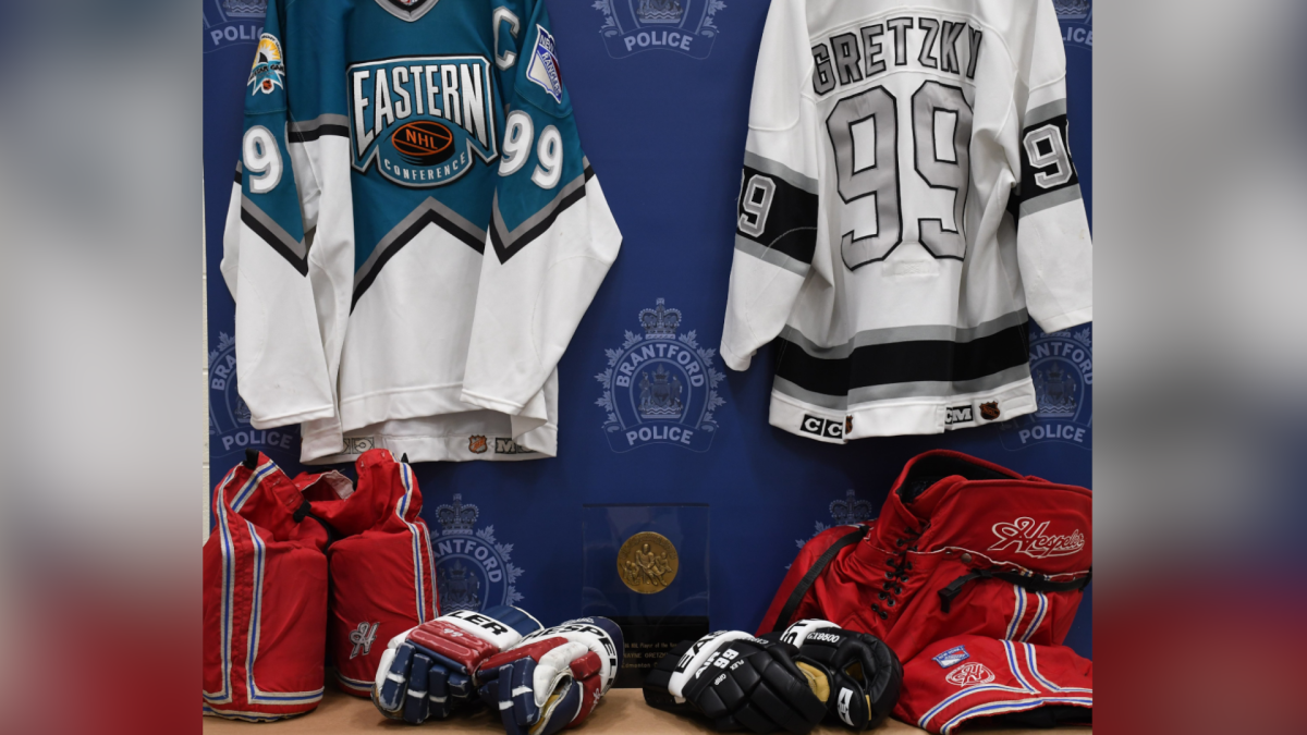 Police in Brantford, Ont. charged a pair of men in connection with the theft of Wayne Gretzky sports memorabilia.